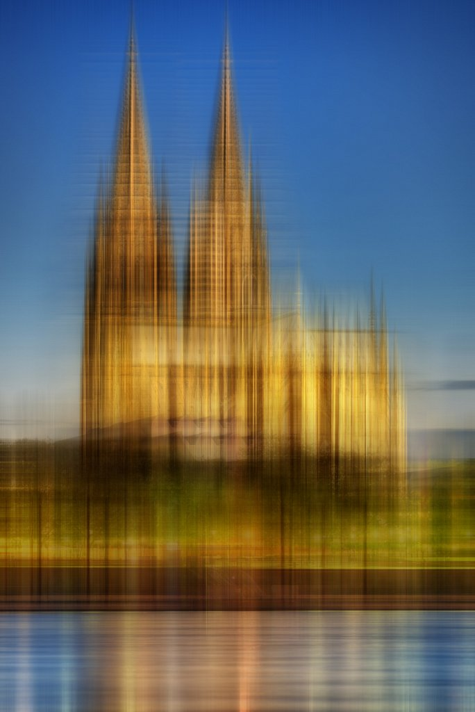 Move It - Köln -Dom Golden